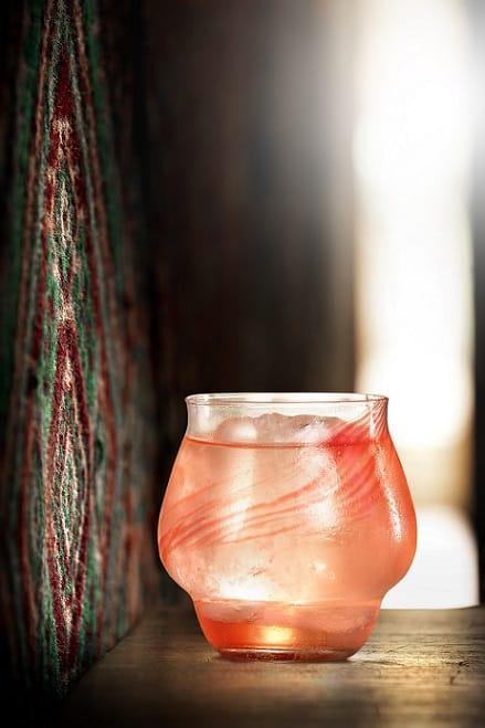 Коктейл Трите пъти хоро - партньорство на Таратанци с бар Спутник